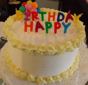 Birthday_cake_in_ice_cream_shop_in_Basking_Ridge_New_Jersey